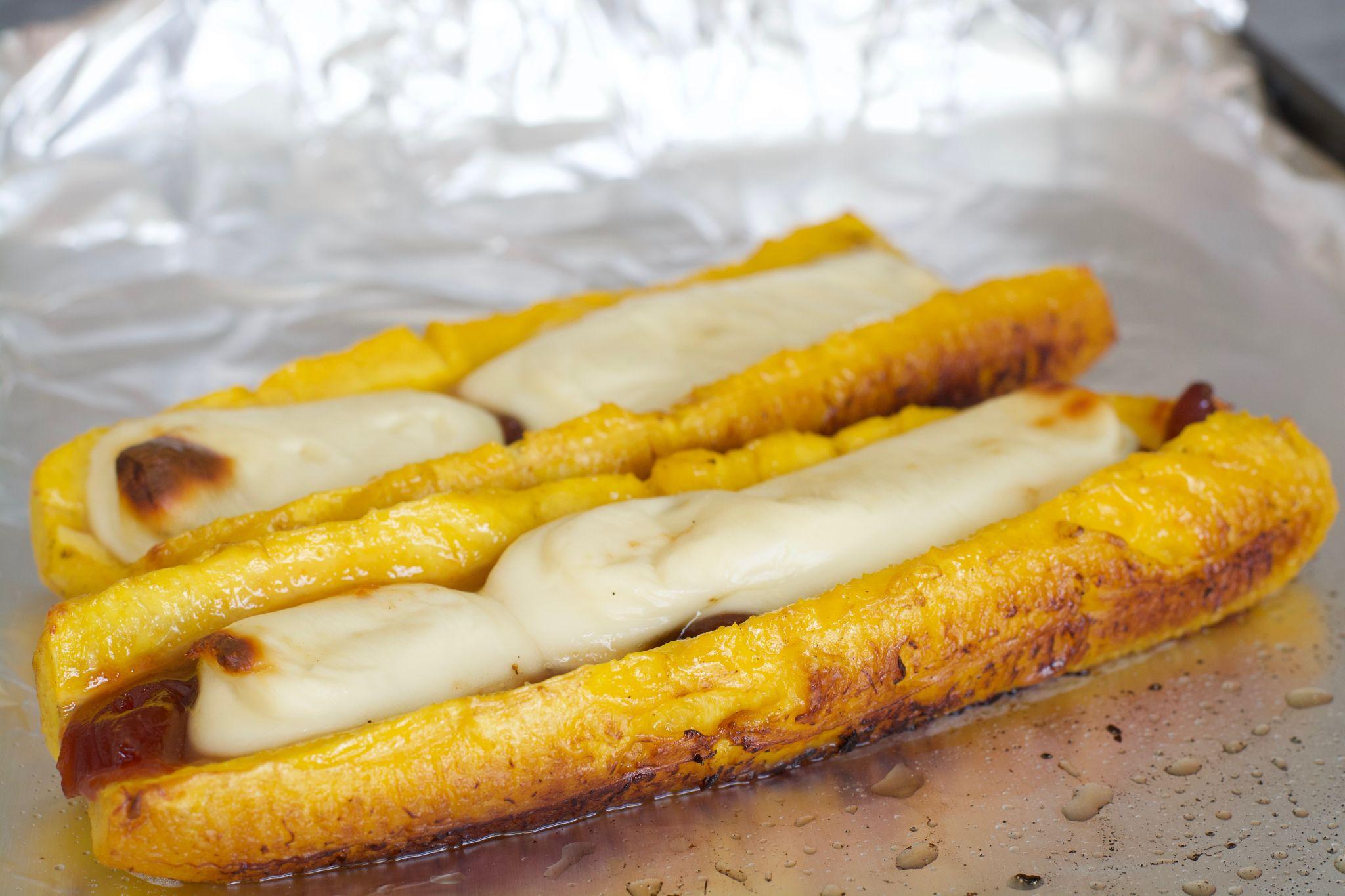 Plátanos Maduros Con Queso y Bocadillo (Pasta de Guayaba)